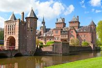 Romantisch trouwen in een kasteel