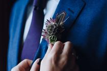 Accessoires die je trouwoutfit liften