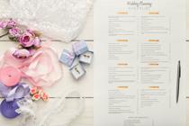 Hoe je een bruiloftsbudget creëert en spaart voor wat je echt wilt