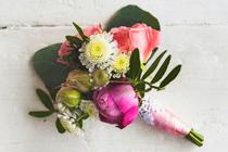 Bijzondere corsage voor de bruidegom