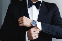 3 Tips voor het dragen van een horloge bij je bruidskostuum