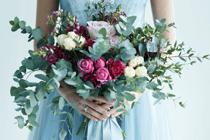 Kleur (in) je trouwjurk