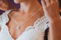 Tips voor een strakke nek in je trouwjurk